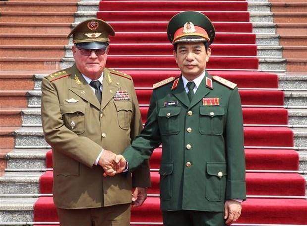 越南人民军高级军事代表团同古巴高级军事代表团举行会谈 hinh anh 1