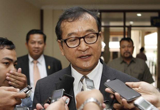 柬埔寨法院对柬反对党柬埔寨救国党流亡领导人发出逮捕令 hinh anh 1