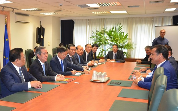 越共中央经济部代表团对希腊进行工作访问 hinh anh 2