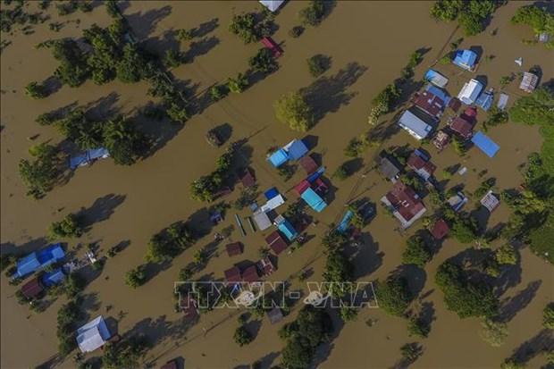 泰国遭遇暴雨洪水袭击导致数万人撤离 hinh anh 1