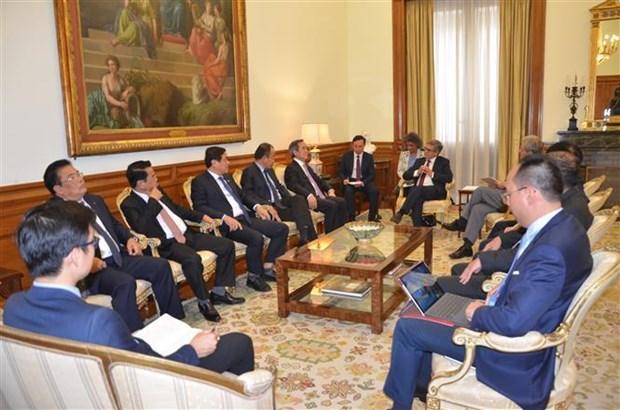 越南共产党代表团对葡萄牙进行工作访问 hinh anh 1