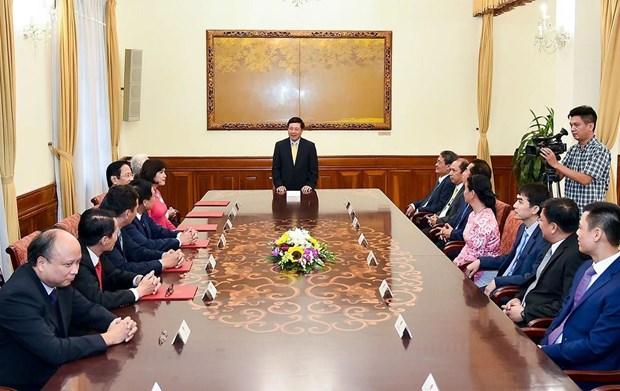 2019-2022年任期六位新任驻外大使任命书颁发仪式在河内举行 hinh anh 2