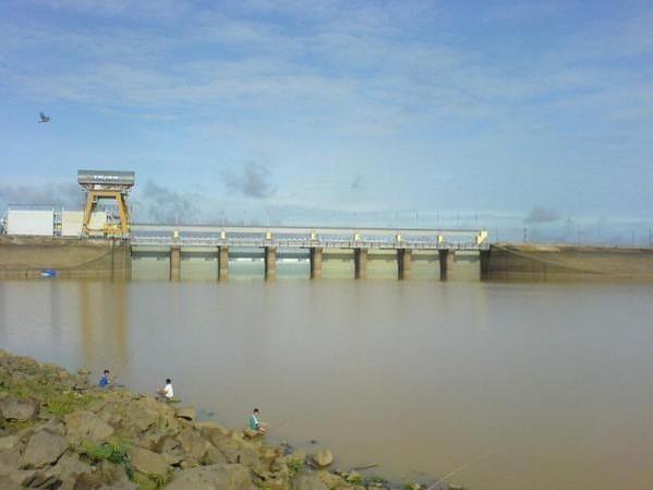 同奈省提议在治安湖中建设8个太阳能发电站 hinh anh 2
