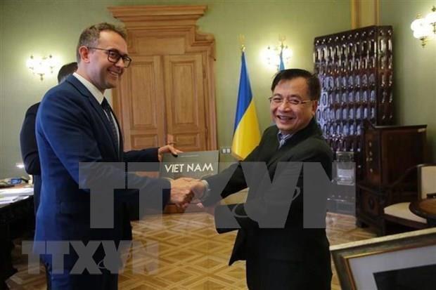乌克兰利沃夫州愿意促进越南企业的经营商机 hinh anh 1