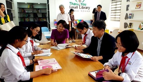 韩国资助越南学校兴建小型校园图书馆 hinh anh 1