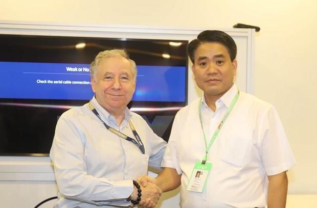 河内市人民委员会代表团对新加坡进行工作访问 hinh anh 1