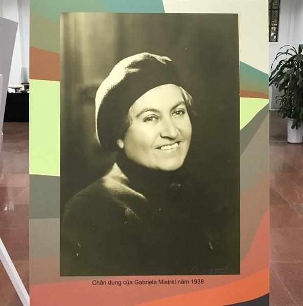 关于智利女诗人加夫列拉·米斯特拉尔的展会在河内正式开幕 hinh anh 2