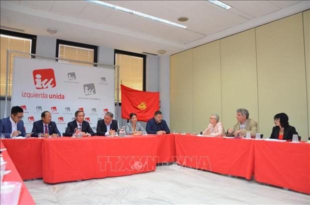 越共中央经济部部长阮文平对西班牙进行工作访问 hinh anh 3