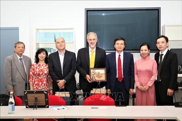 进一步加强越南共产党与意大利共产党的关系 hinh anh 2