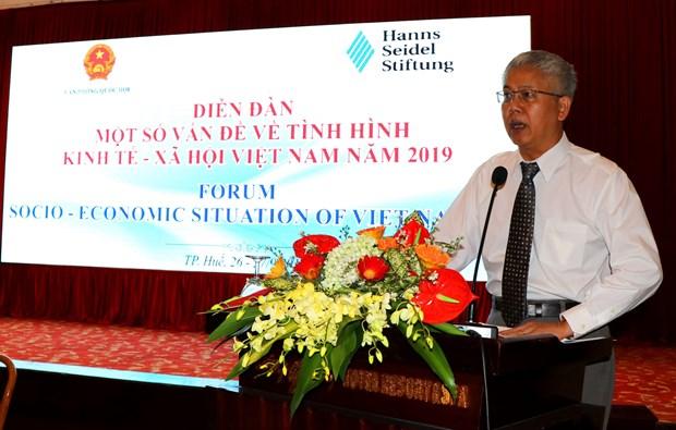 2019年越南经济社会问题论坛在承天顺化省举行 hinh anh 1