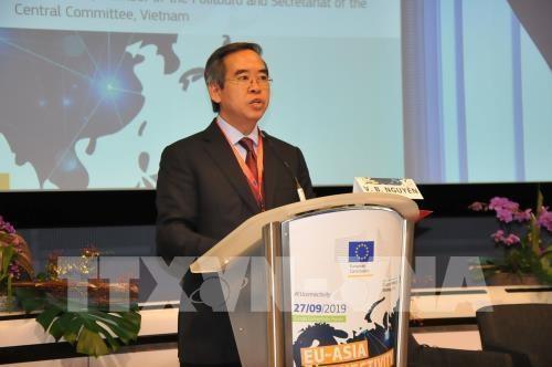 欧亚对接论坛—加强两大洲之间对话合作的平台 hinh anh 2