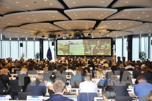 欧亚对接论坛—加强两大洲之间对话合作的平台 hinh anh 1