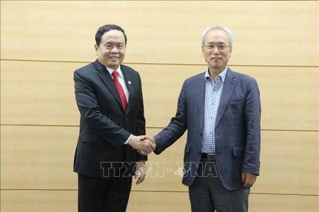 越南祖国阵线高级代表团对韩国进行工作访问 hinh anh 2
