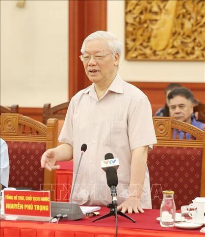 原党和国家领导人向2011版纲领实施10年总结报告草案和政治报告草案提出意见 hinh anh 2