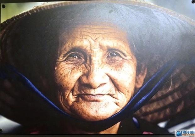 """题为""""眼神汇聚之地""""的越南与墨西哥图片展在河内举行 hinh anh 2"""