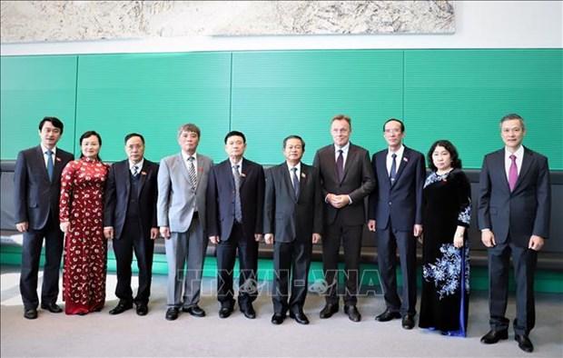 越南国会高级代表团对德国进行工作访问 hinh anh 1