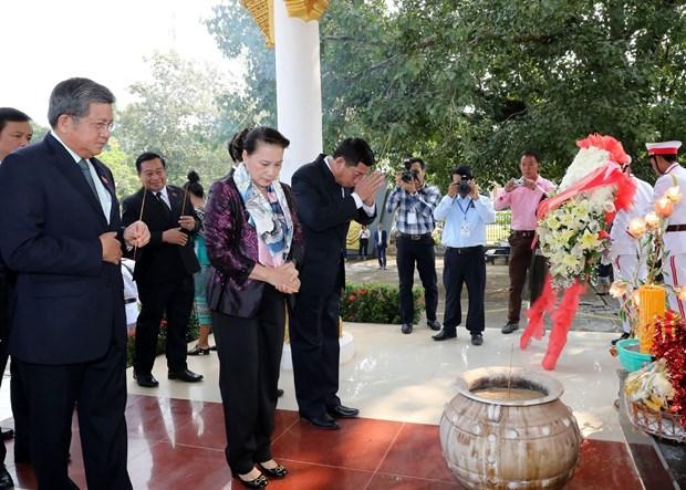 越南国会主席阮氏金银会见万象省委书记兼省长康潘·西提丹帕 hinh anh 2