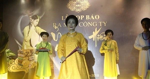 阮德禄-复原古代服装的越南年轻人 hinh anh 1