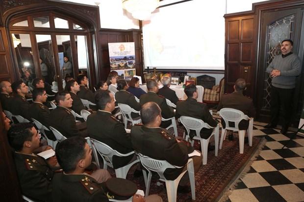 阿根廷国防学院学生了解越南历史和风土人情 hinh anh 1