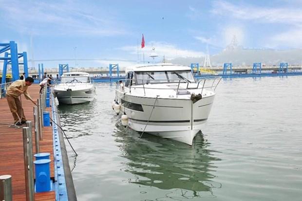 下龙国际旅游港——国际游客向往的旅行目的地 hinh anh 1