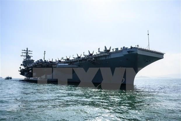 美国海军少将强化实施东海航行飞越自由权的决心 hinh anh 1