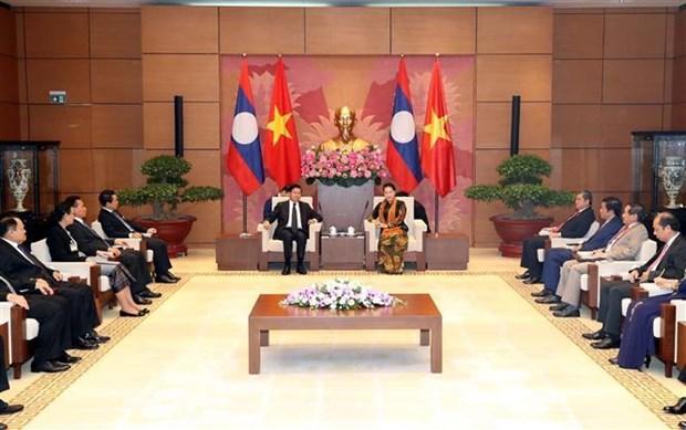 越南国会主席阮氏金银会见老挝政府总理通伦·西苏里 hinh anh 2