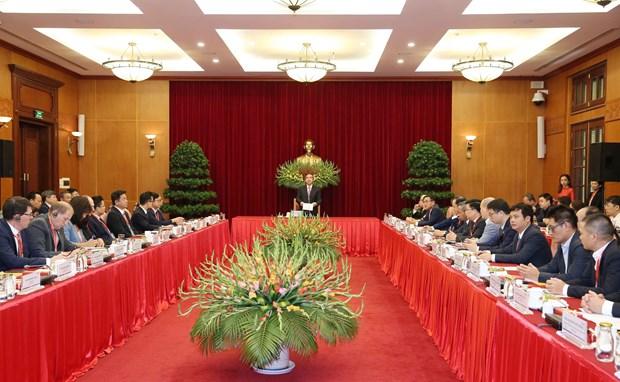 越共中央经济部长会见前来参加2019年工业4.0高级论坛的代表 hinh anh 1