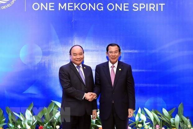 柬埔寨首相洪森访越:发展越柬睦邻友好、传统友谊、全面合作和长期稳定的关系 hinh anh 1