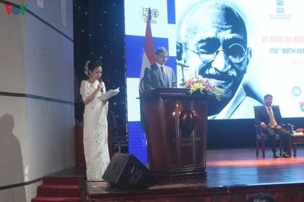 印度民族英雄圣雄甘地诞辰150周年纪念典礼在河内举行 hinh anh 2