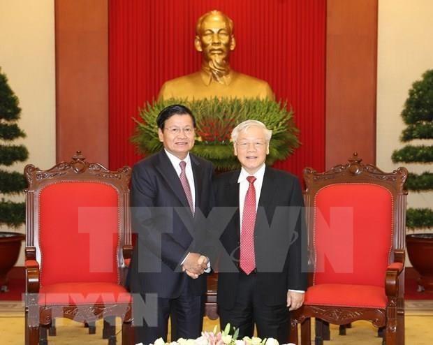 老挝媒体密集报道老挝总理通伦访越之旅 hinh anh 2