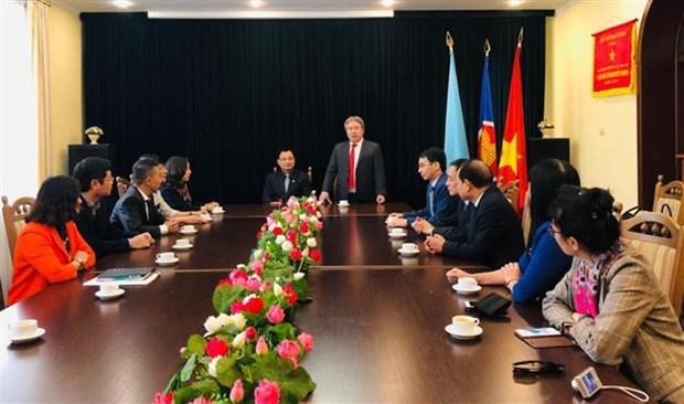 国家行政学院代表团对乌克兰进行工作访问 hinh anh 1