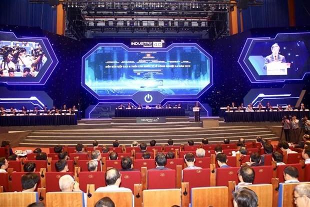 工业4.0高级论坛暨国际展开幕 hinh anh 1