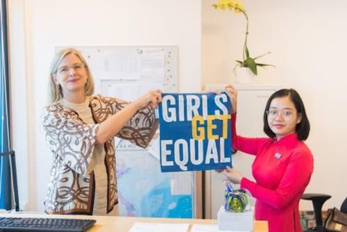 瑞典驻越南大使馆向越南女童赋予领导权 hinh anh 1