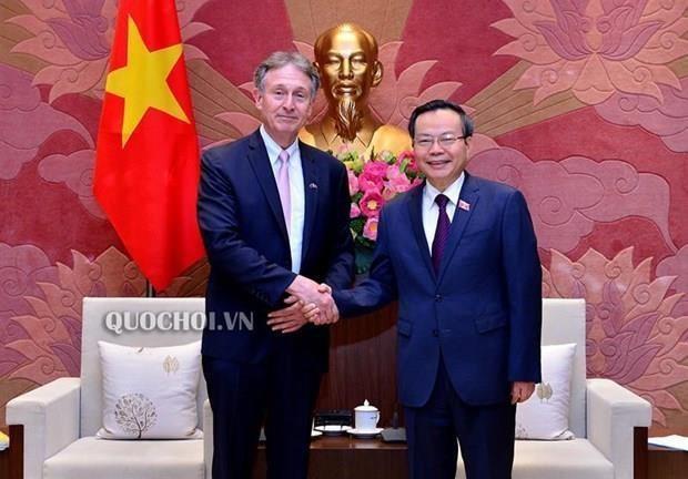 越南国会副主席冯国显会见东盟-欧盟商业理事会主席 hinh anh 1