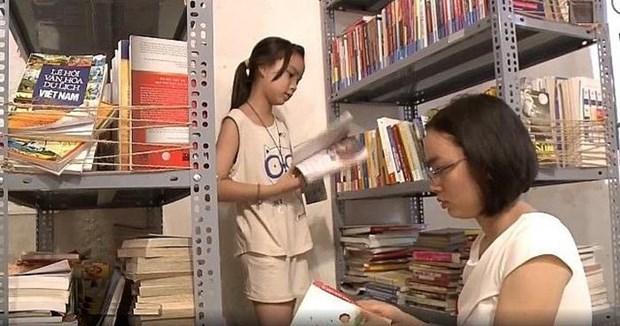 """""""爱书人""""建立免费图书馆 激发公众阅读热情 hinh anh 1"""