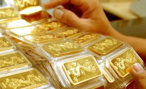 10月8日越南国内黄金价格下降15-25万越盾 hinh anh 1
