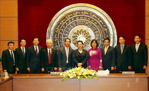 国会主席阮氏金银会见越南驻外大使和首席代表 hinh anh 1
