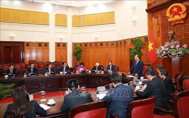 阮春福总理会见越南驻外大使和首席代表 hinh anh 1
