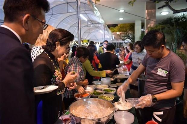 """""""越南美食之夜""""活动在泰国举行 hinh anh 2"""