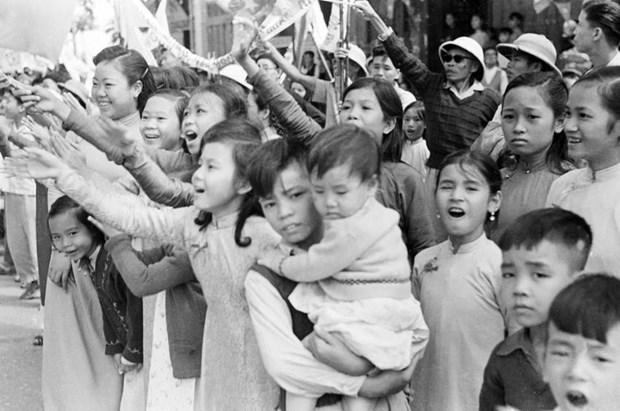 河内解放65周年:一曲豪迈的历史壮歌 hinh anh 2