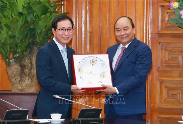 政府总理阮春福支持韩国三星集团继续扩大在越南的投资范围 hinh anh 1
