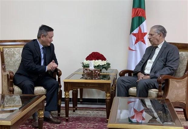 阿尔及利亚民族院议长希望加强同越南的合作关系 hinh anh 1