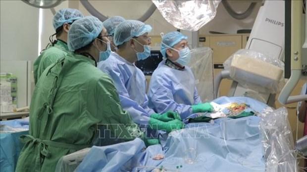 越南掌握经导管主动脉瓣瓣植入术 hinh anh 1
