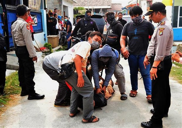 印尼总统佐科•维多多就职前印尼捣毁多起炸弹袭击阴谋 hinh anh 1