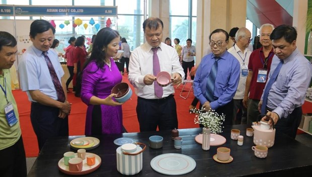 2019年河内国际手工艺品和礼品展正式开幕 hinh anh 2
