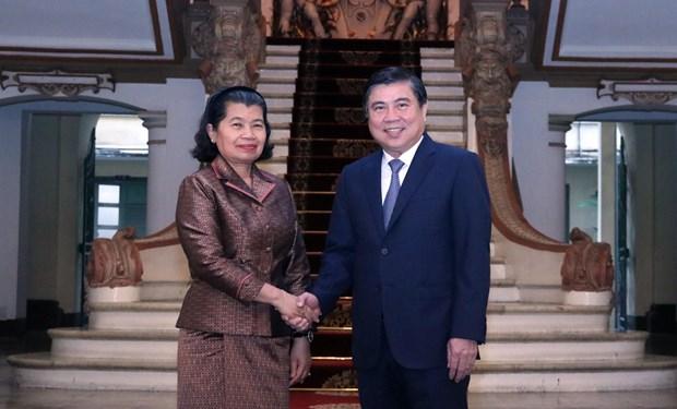 越柬共同促进贸易投资合作关系迈上新台阶 hinh anh 1