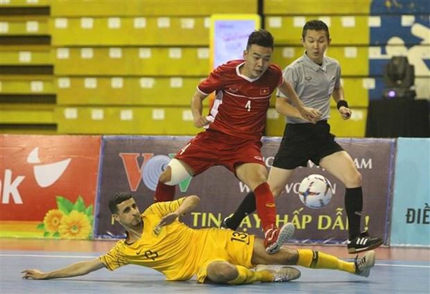 2019年HDBank杯东南亚室内五人制足球锦标赛开赛:越南队以2比0击败澳大利亚队 hinh anh 2