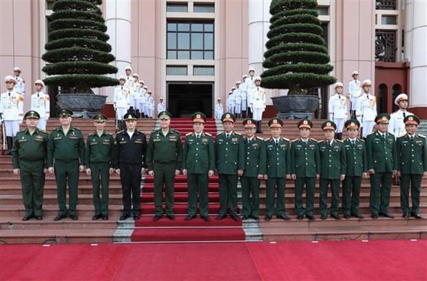 俄罗斯国防部代表团对越南进行正式访问 hinh anh 3