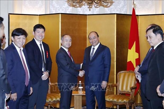 越南政府总理阮春福会见部分日本地方和组织领导 hinh anh 2