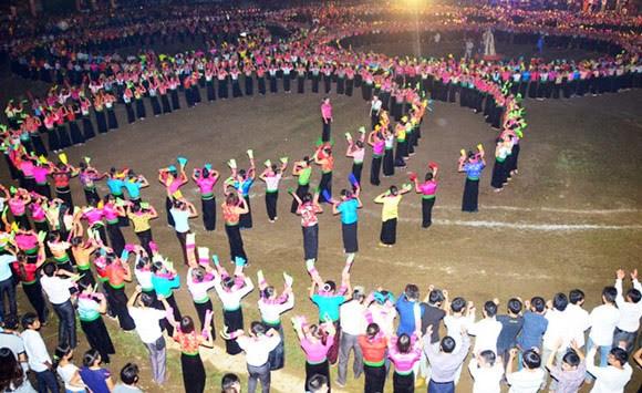 群舞成为泰族人精神文化中不可分割的部分 hinh anh 1